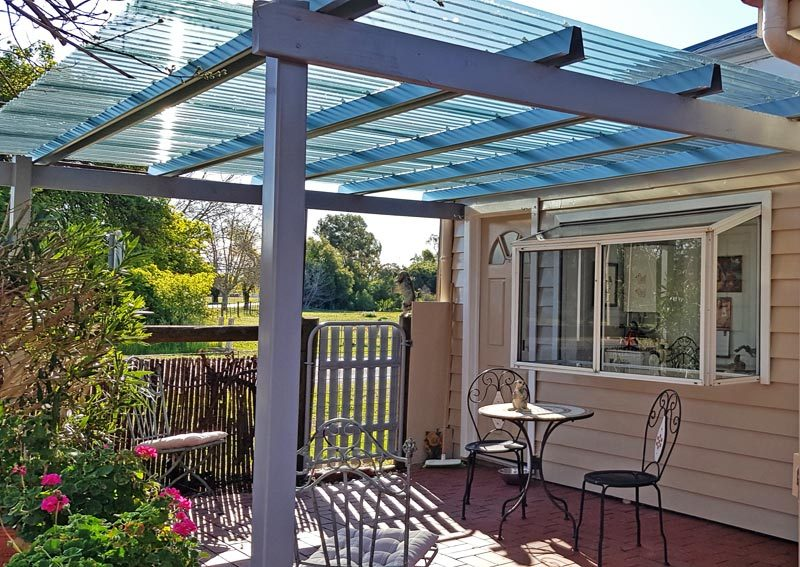 Pleasant Patio - Pet Friendly Accommodation